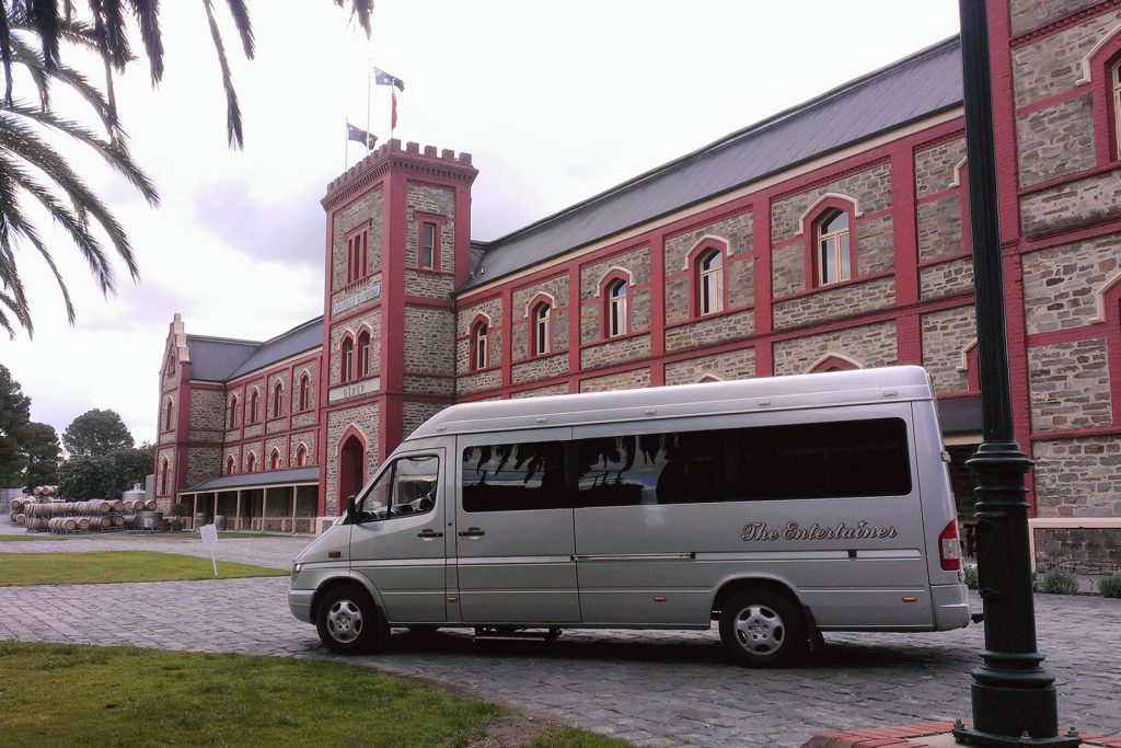 Juggle House Experiences - The Entertainer Limousine - Chateau Tanunda